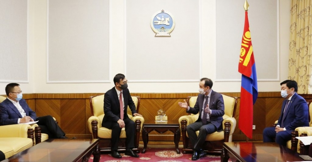 Minister of Foreign Affairs Mr. Tsogtbaatar Damdin and Minister of Road and Transport Development Mr. Enkh-Amgalan Byambasuren meet with H.E. Mr. Cai Wenrui, Ambassador of the People of Republic of China to Mongolia